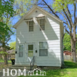 1 Bedroom ----- 532.5 Wheeler Ave, Mankato ----- Available April 1, 2021